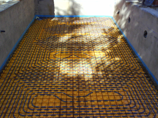 Piscinas con suelo radiante ison 21 - Suelo para piscina desmontable ...